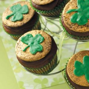 tasteofhome-chocolate-mint-shamrock-cupcakes
