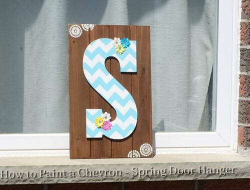 how to paint a chevron - spring door hanger