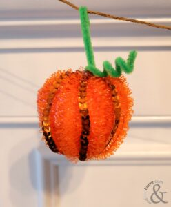 fun-halloween-garland-craft-4