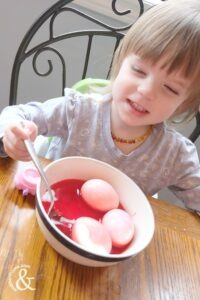 food-colouring-painted-easter-eggs-4