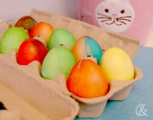 food-colouring-painted-easter-eggs-7